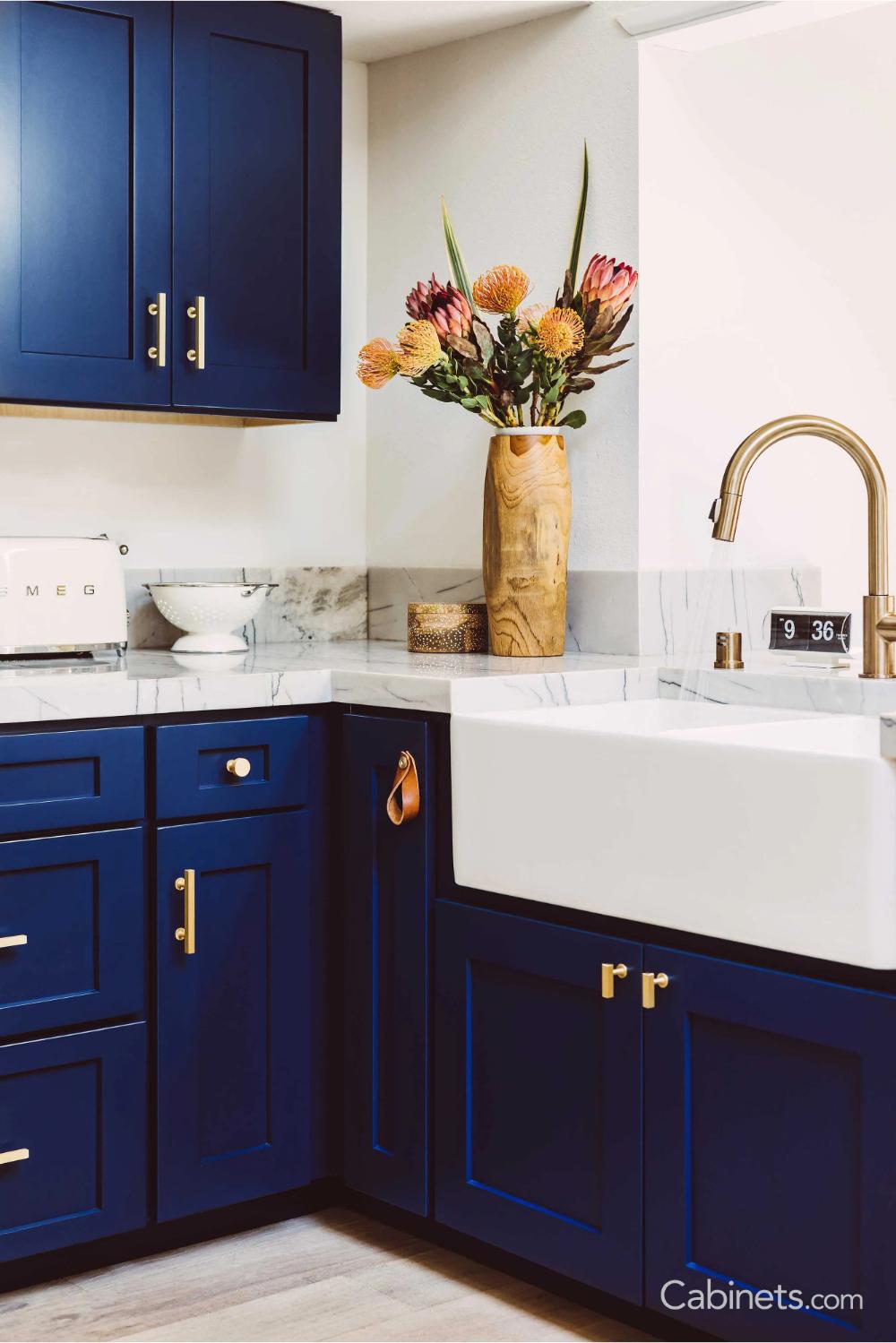 mid century modern navy kitchen with quartzite countertops cabinets com in 2020 diy kitchen on kitchen decor navy id=24535