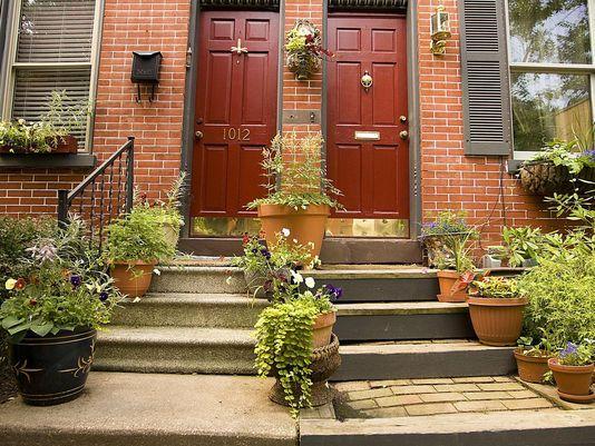 Briefs: Gardens Contest, Decorated Rain Barrels