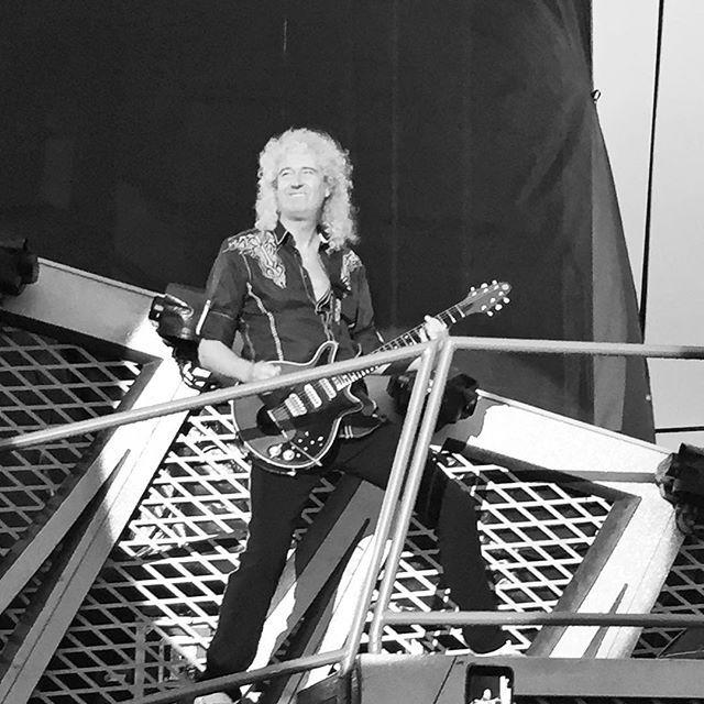 One of my alltime heroes!  #bryanmay #queen #guitarhero #rocklegend #icon #jelling16 @officialqueenmusic
