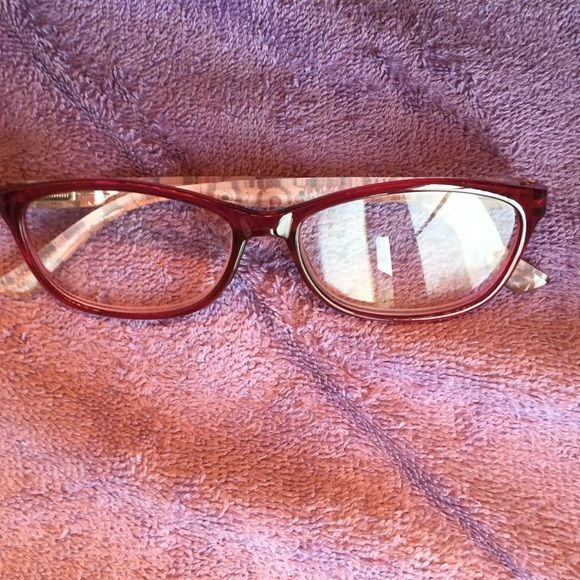 Readers Brand new. Never used. I bought the wrong strength for me. These are 2.50. Nice color, design and all but don't work for me. Accessories Glasses