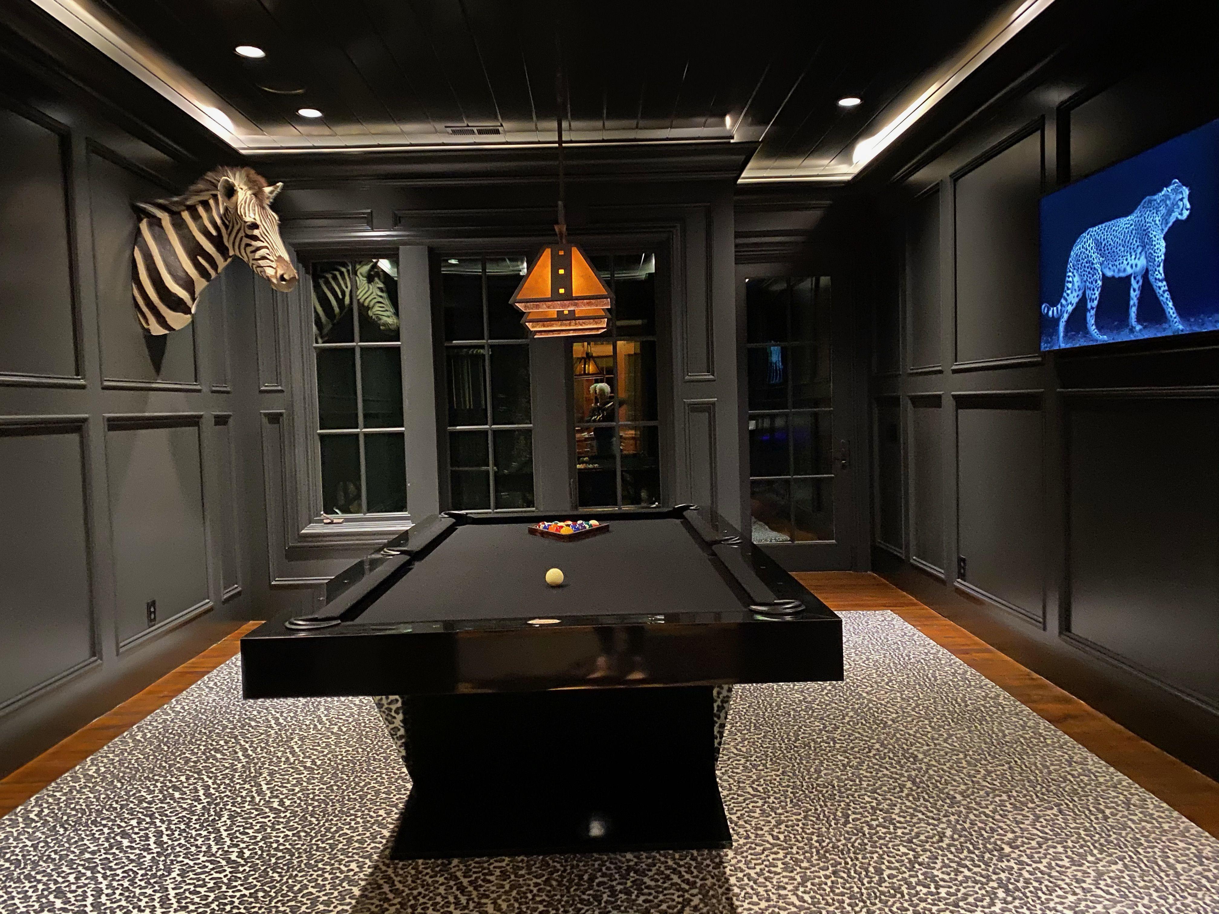 Elegant Luxor Pool Table Piano Black High Gloss Finish In 2021 Black Pool Table Custom Pool Tables Pool Table Chairs
