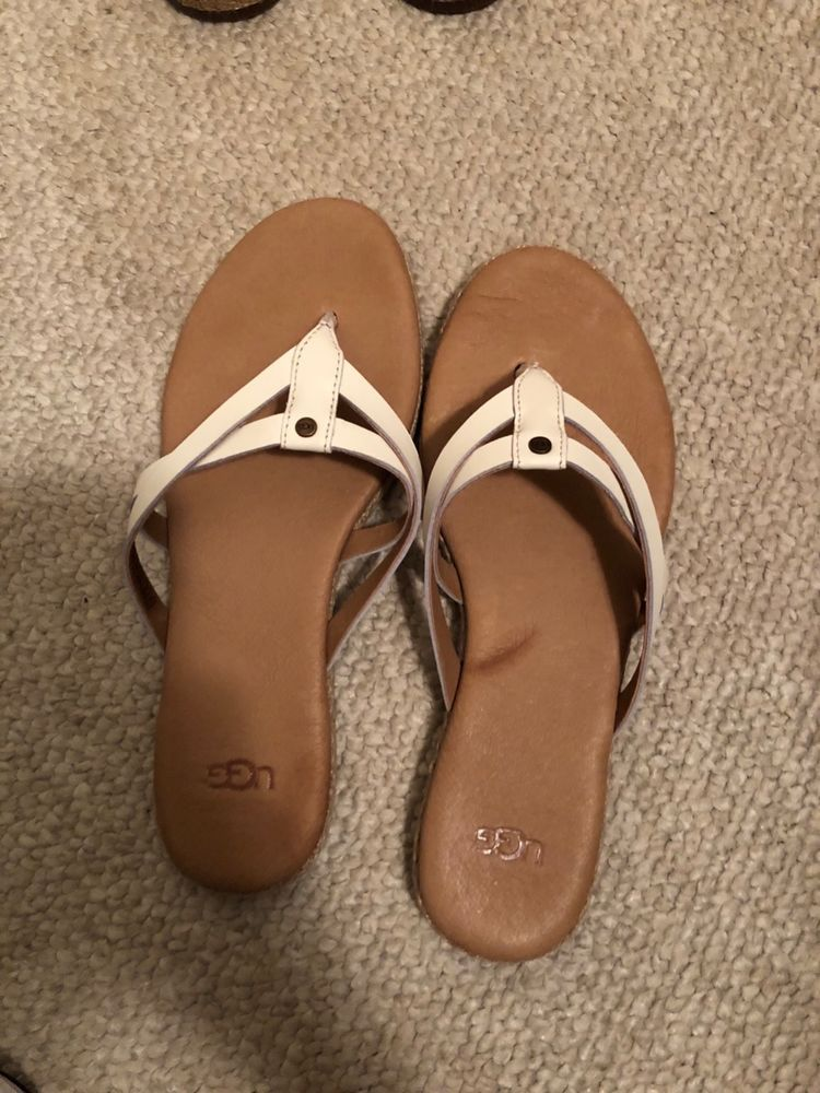 932fc114b00 EUC women's UGG wHite leather flip flops size 6 #fashion #clothing ...