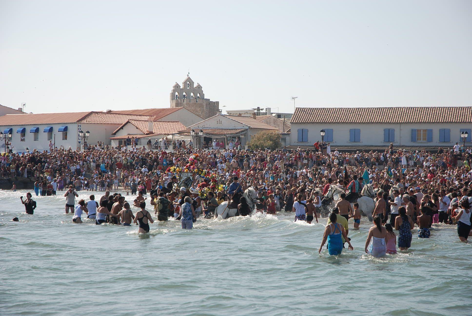 Saintes maries de la mer pelerinage saintes maries ste - Office tourisme sainte marie de la mer ...