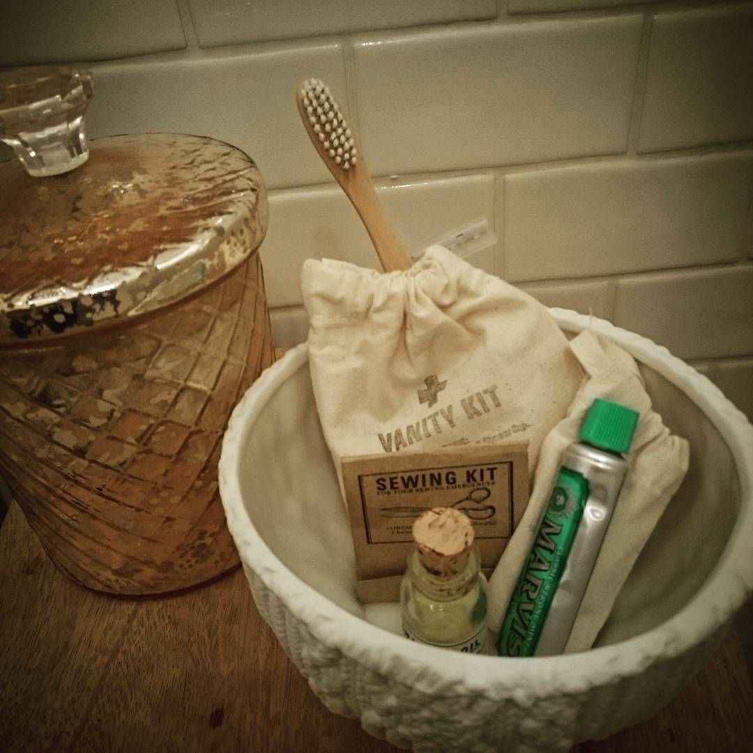 Lovely little vanity kit at #number38 #Cheltenham #anightaway #notinlondonasplanned #twofingersup  to you #tubestrike