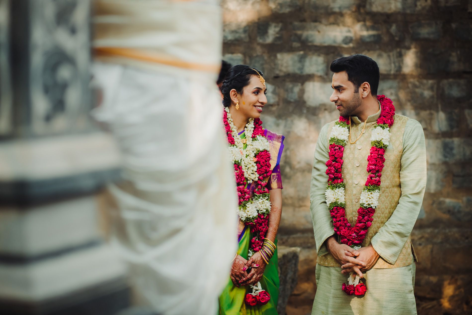 Candid wedding photography is capturing those moments when the couple thinks no one is looking at them! #vivekkrishnanphotography #couplephotography #weddingphotography #weddingdiaries  #candidshots