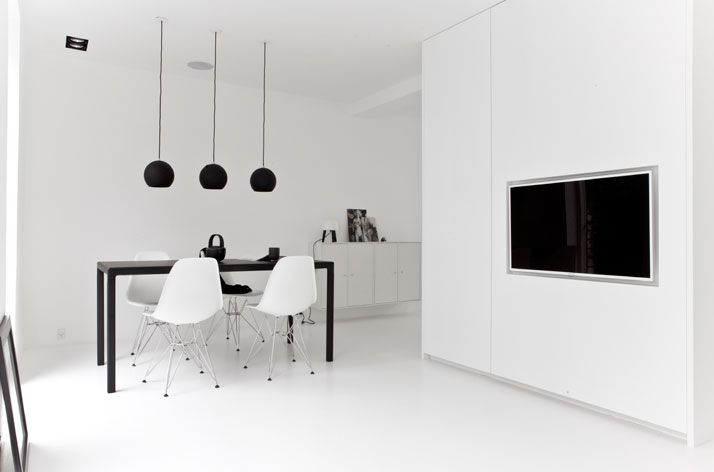 A Black & White Townhouse by Norm Architects In Copenhagen ...