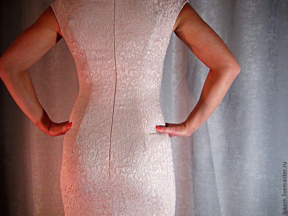 Как обработать боковые швы на платье