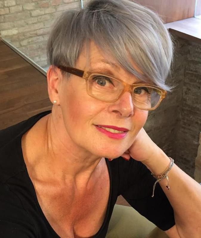 90 Classy And Simple Short Hairstyles For Women Over 50 Long Sides