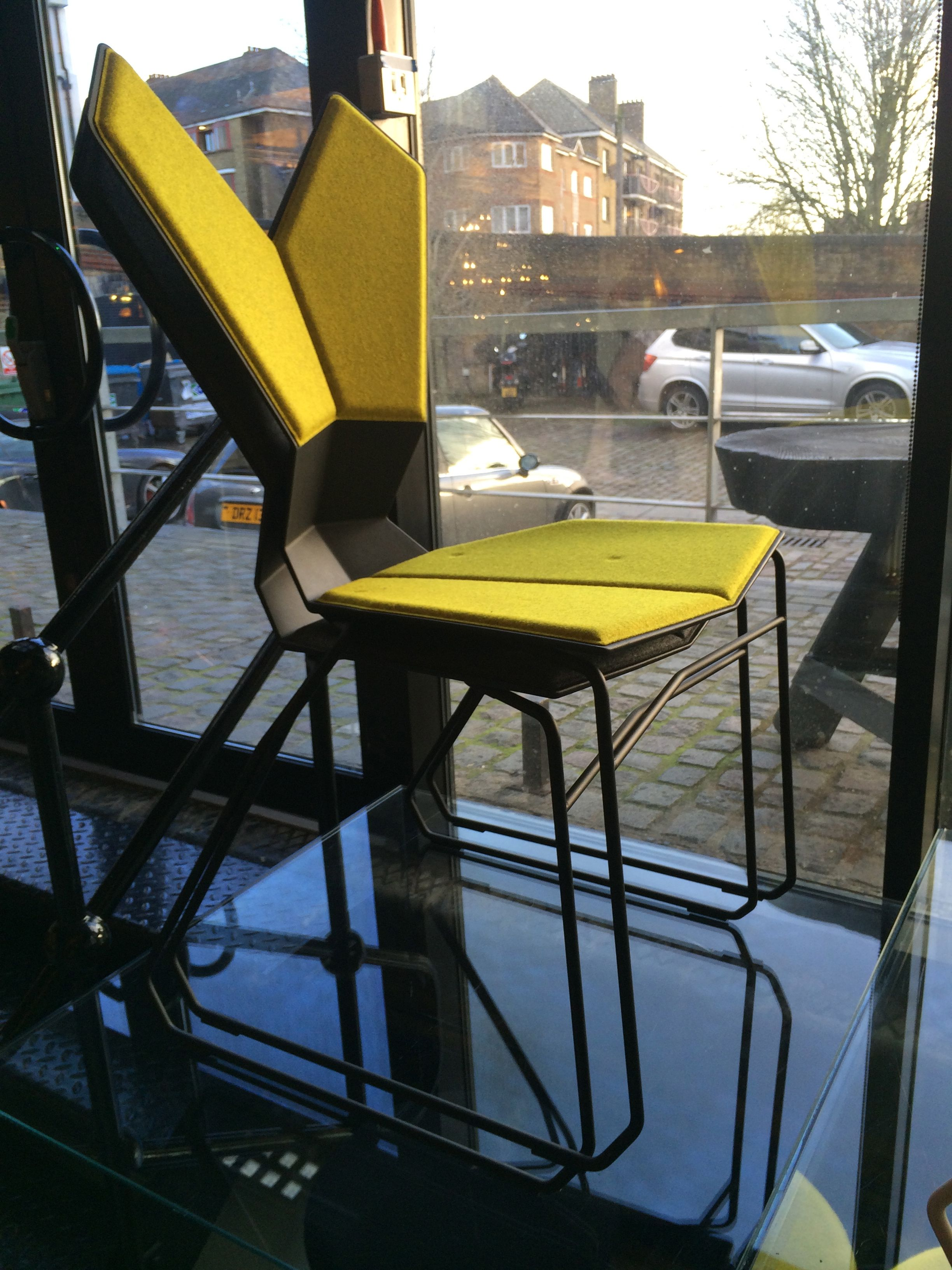 Konferrenz-Stuhl I Besprechungsstuhl I Office I Interior I Ergnomie Stuhl I glasfaserverstärkte Nylon I LDF 2013 I Y Chair by Tom Dixon