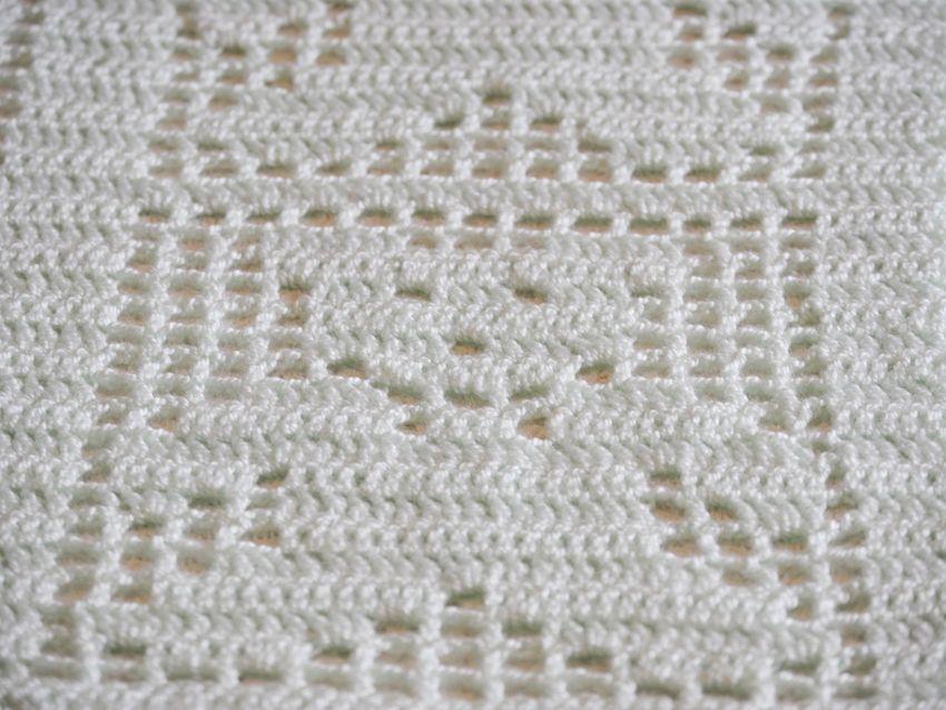 Manta tejida en crochet verde agua osito | LOS TEJIDOS | Pinterest ...