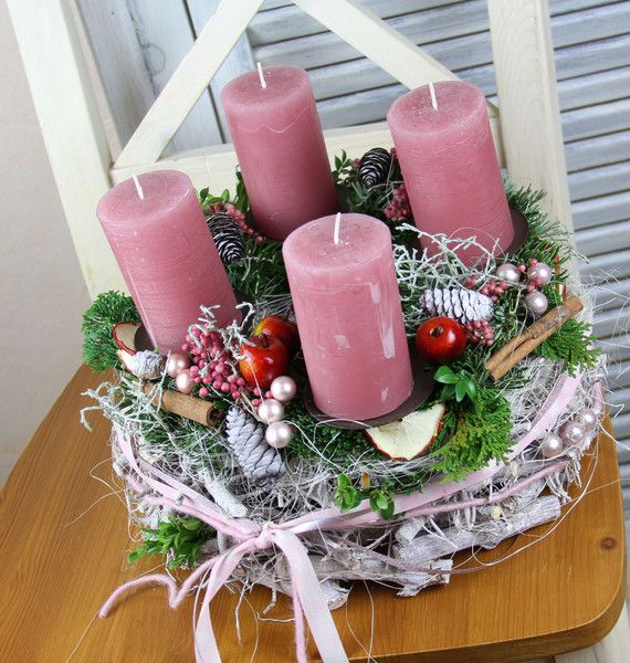 Adventskranz adventskranz pfefferbeere ein for Dekorationsideen weihnachten