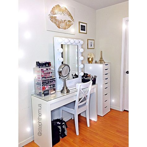 White ikea malm dressing table with hollywood mirror for Ikea dressing mirror
