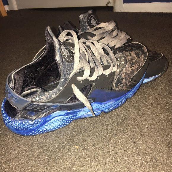 Custom Nike Huaraches Customized blue & black NIKE Huaraches Nike Shoes  Athletic Shoes