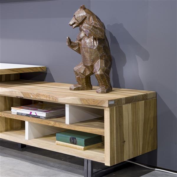 Object metal bear on a tv dressoir Vista of @xooon