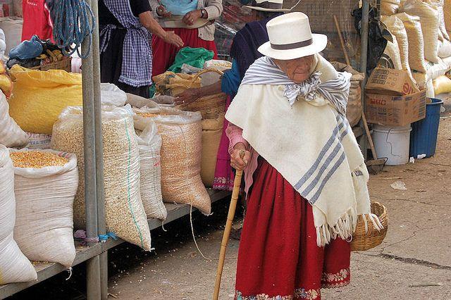 Food market in Gualaceo (Ecuador) - Photo ©Malcolm Young