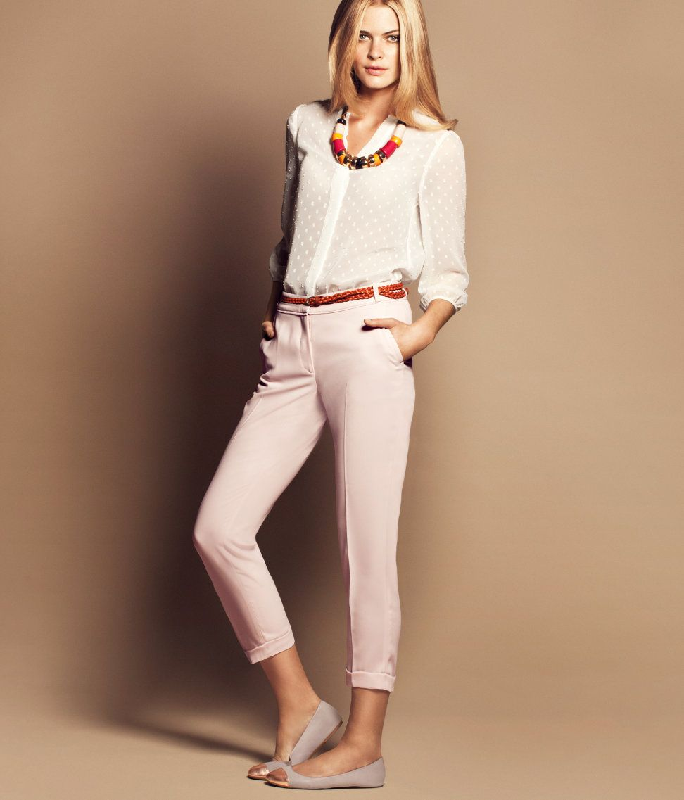 7e6e1077826 Light pink trousers outfit | Outfits in 2019 | Pink pants outfit ...