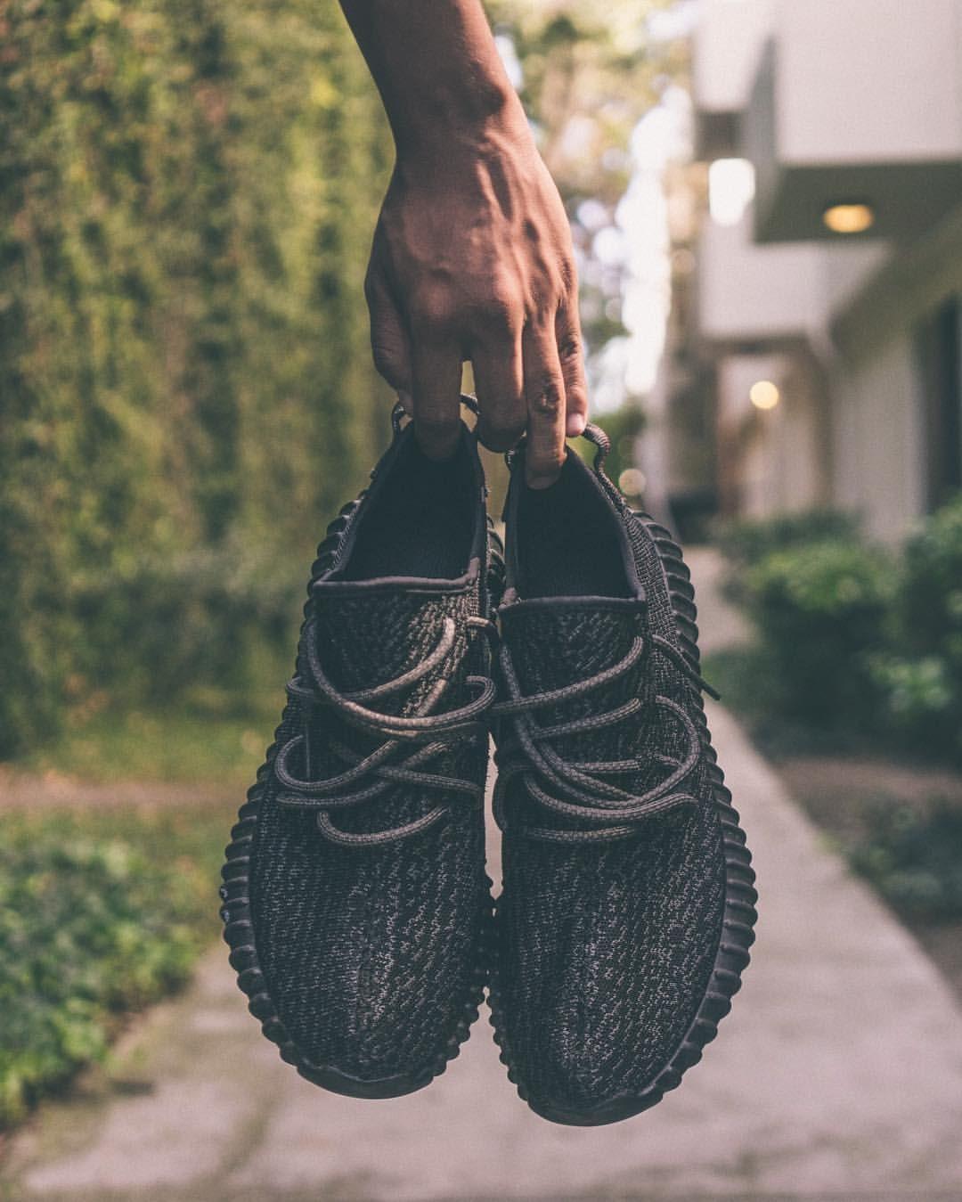Adidas Yeezy 350 Boost negro pirata lanzamiento el 19 de