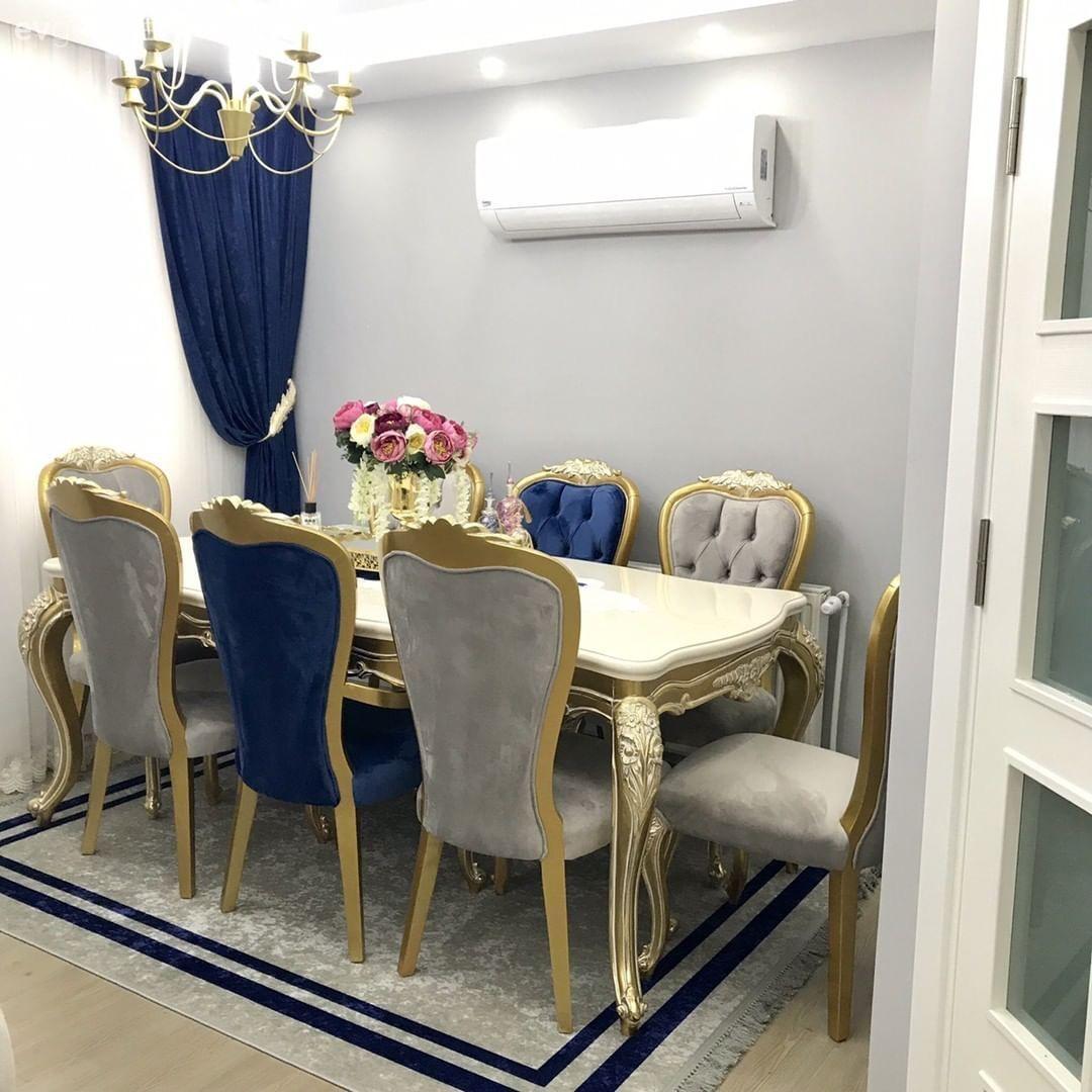 Bu Salonda Klasik Stil Guclu Renkler Luks Dokularla Goz Aliyor Ev Gezmesi Ev Ic Mekanlari Luks Oturma Odalari Oturma Odasi Fikirleri