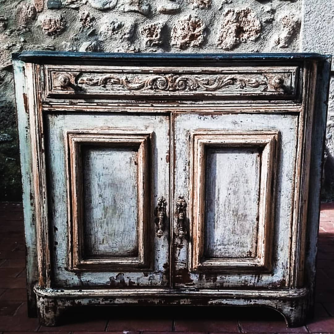 "La Apartments Cheap: Art Création Design Antiques On Instagram: ""⚜ Siempre"