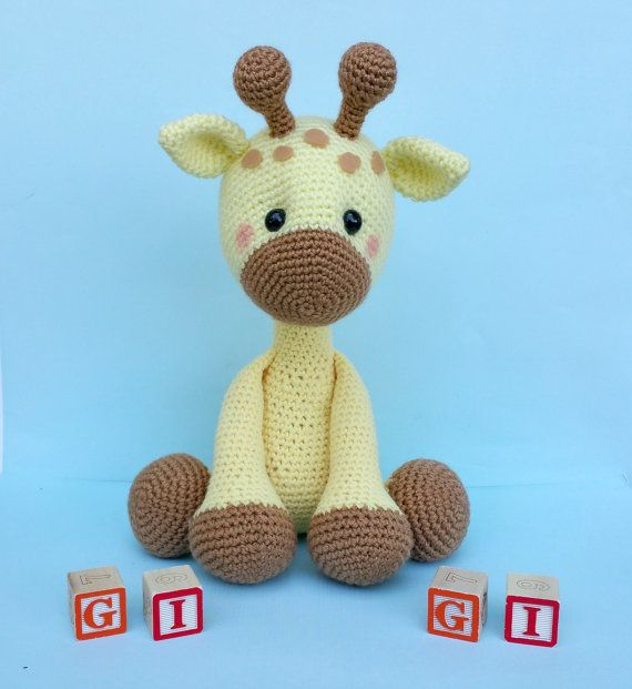 Geri the Giraffe Amigurumi Crochet Pattern | 621x570