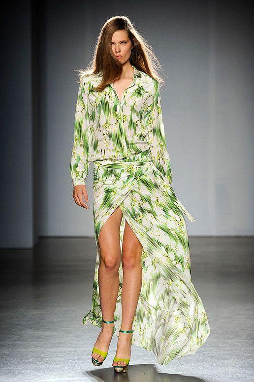 Back 2 Green Grass    Grungy Green Grass Print     Matthew Williamson Spring - Summer 2012 Fashion