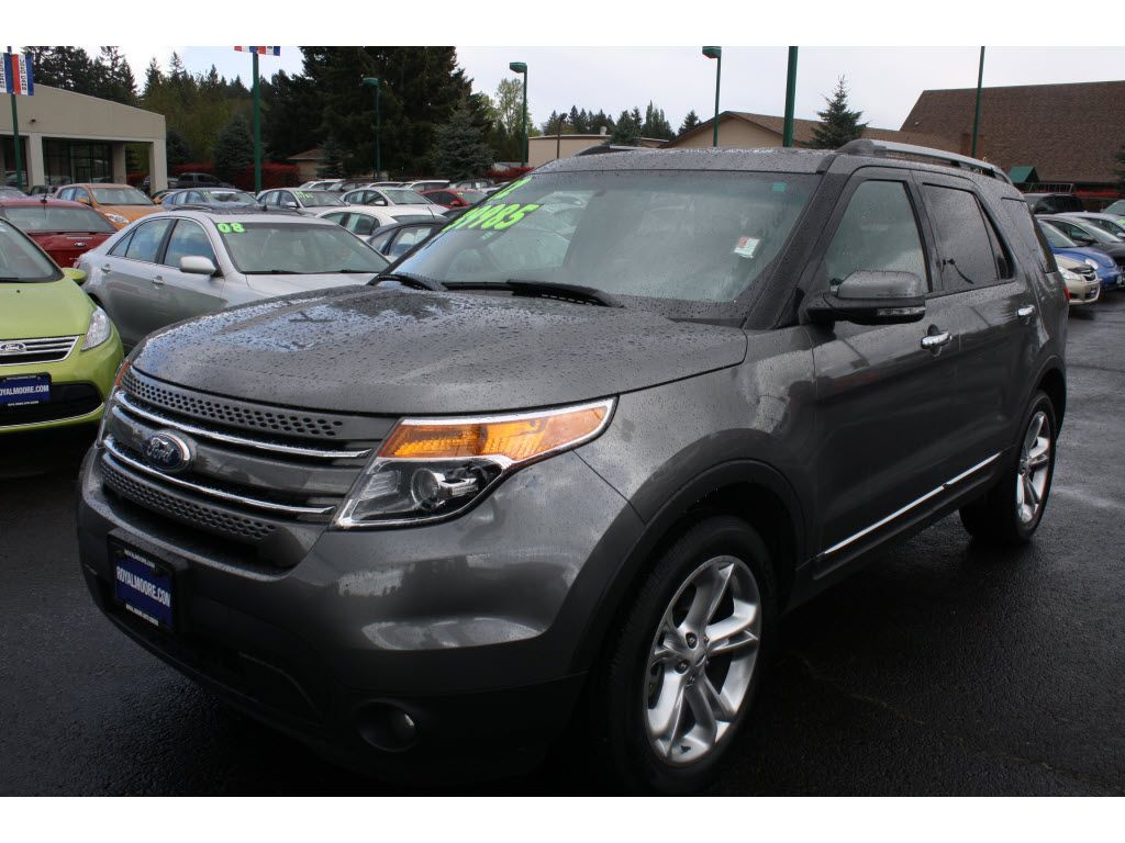 2012ford explorer 8 seater