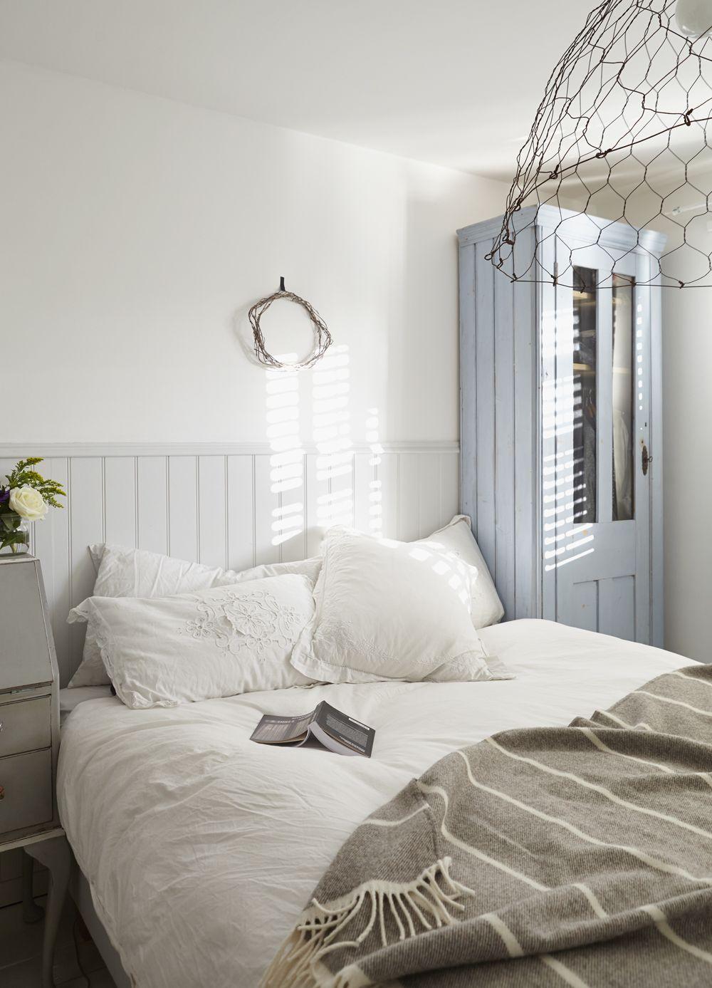 The Home of Artist Caroline Yates Presented by Stylist Hannah Bullivant - Bliss