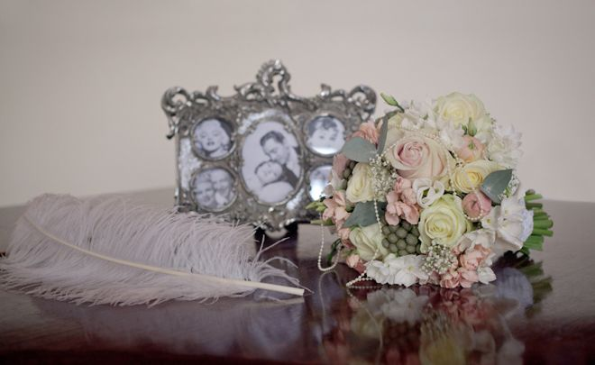 Photo frame with images of Hollywood style icons, ideal for an era wedding