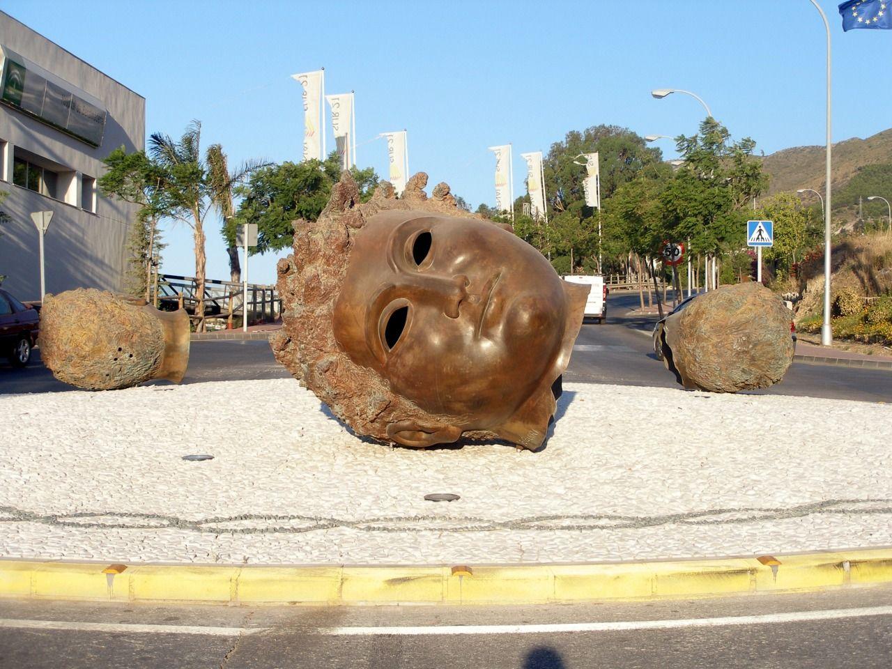 Antigua rotonda de las Tres Cabezas (Benalmádena)