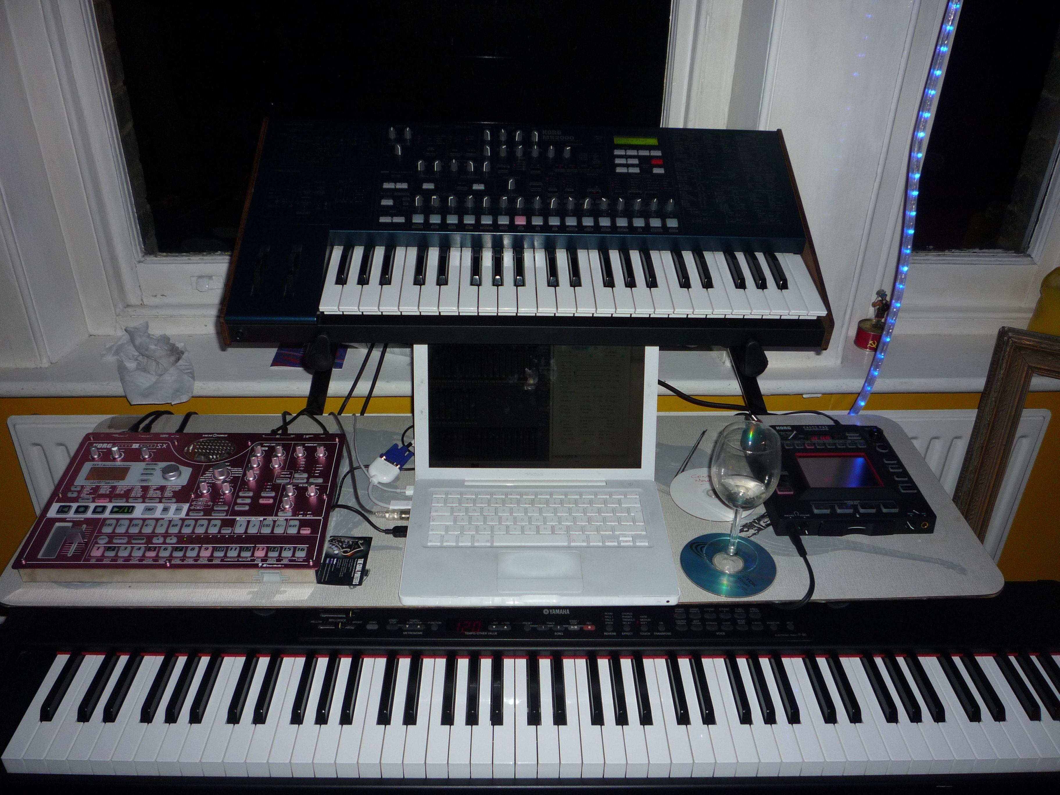 Dual-layer setup: Korg Electribe SX, Korg MS2000, Korg Kaoss Pad and