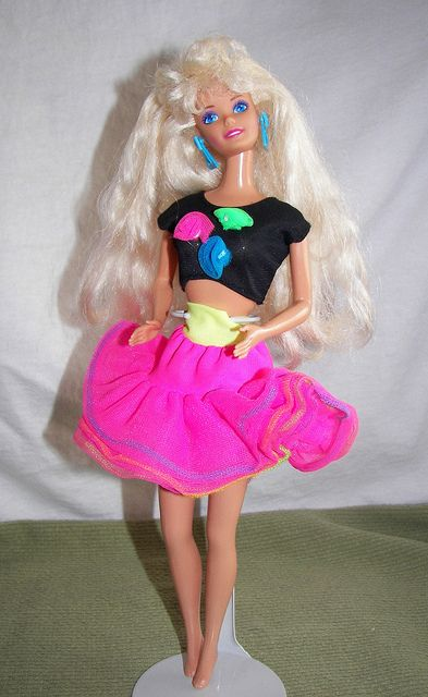 The 11 Hottest Runway Trends Inspired By '90s Barbies ...