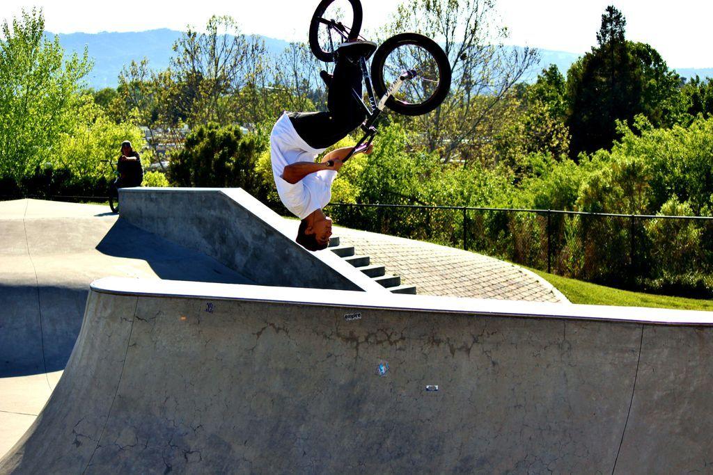 BMX flip | Bmx, Skater boys, Tennis racket