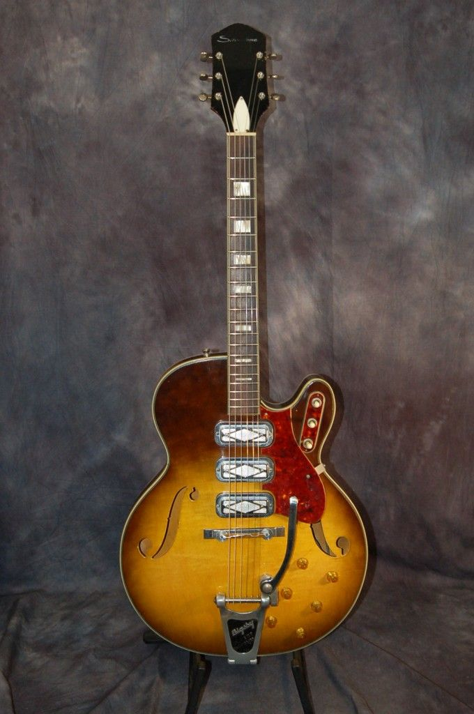 1960′s Silvertone Model 1454 with Bigsby | Vintage guitar
