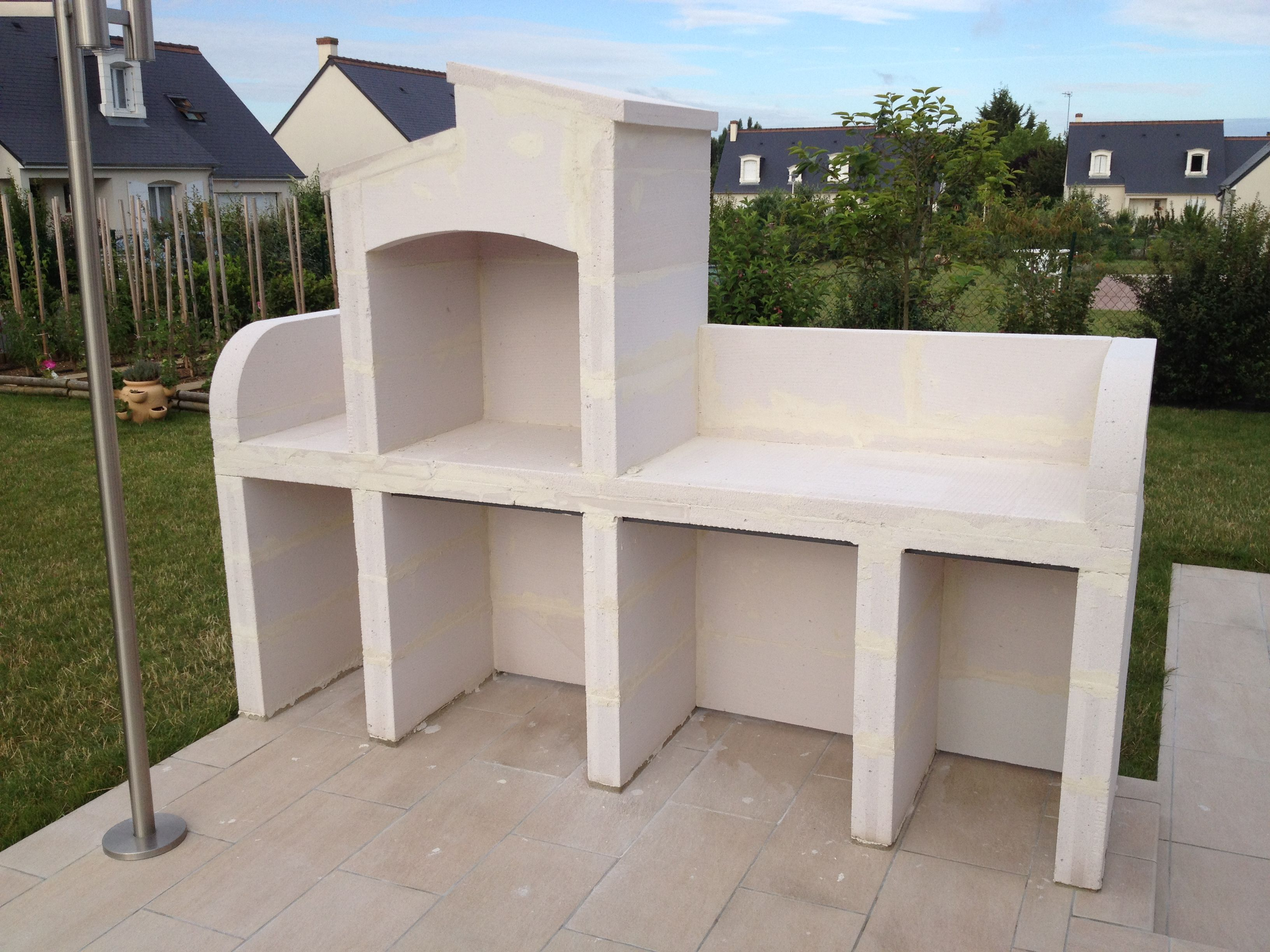 Pingl par laure bringuet sur barbecue pinterest for Construire barbecue exterieur