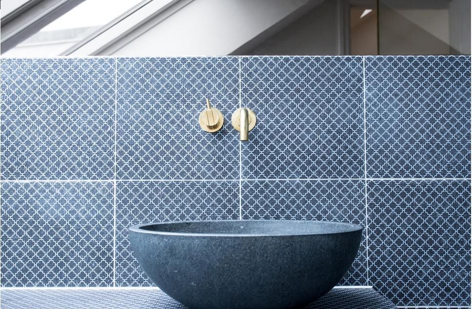 Catalogo Piastrelle Bagno Moderno.Pin Di Cristina T Su Bathroom Decor Mani Sala Da Bagno E