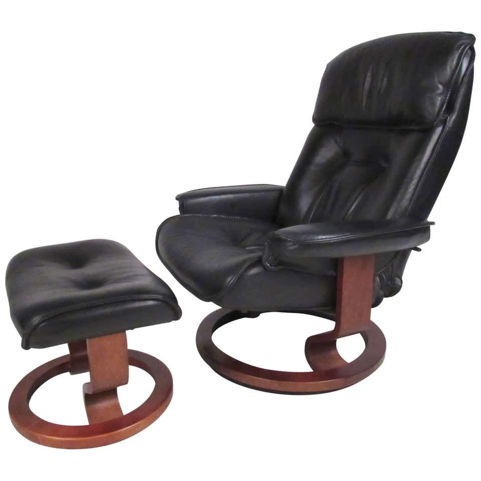 Danish Modern Leather Recliner In 2020 Leather Recliner Scandinavian Recliner Chairs Modern Recliner