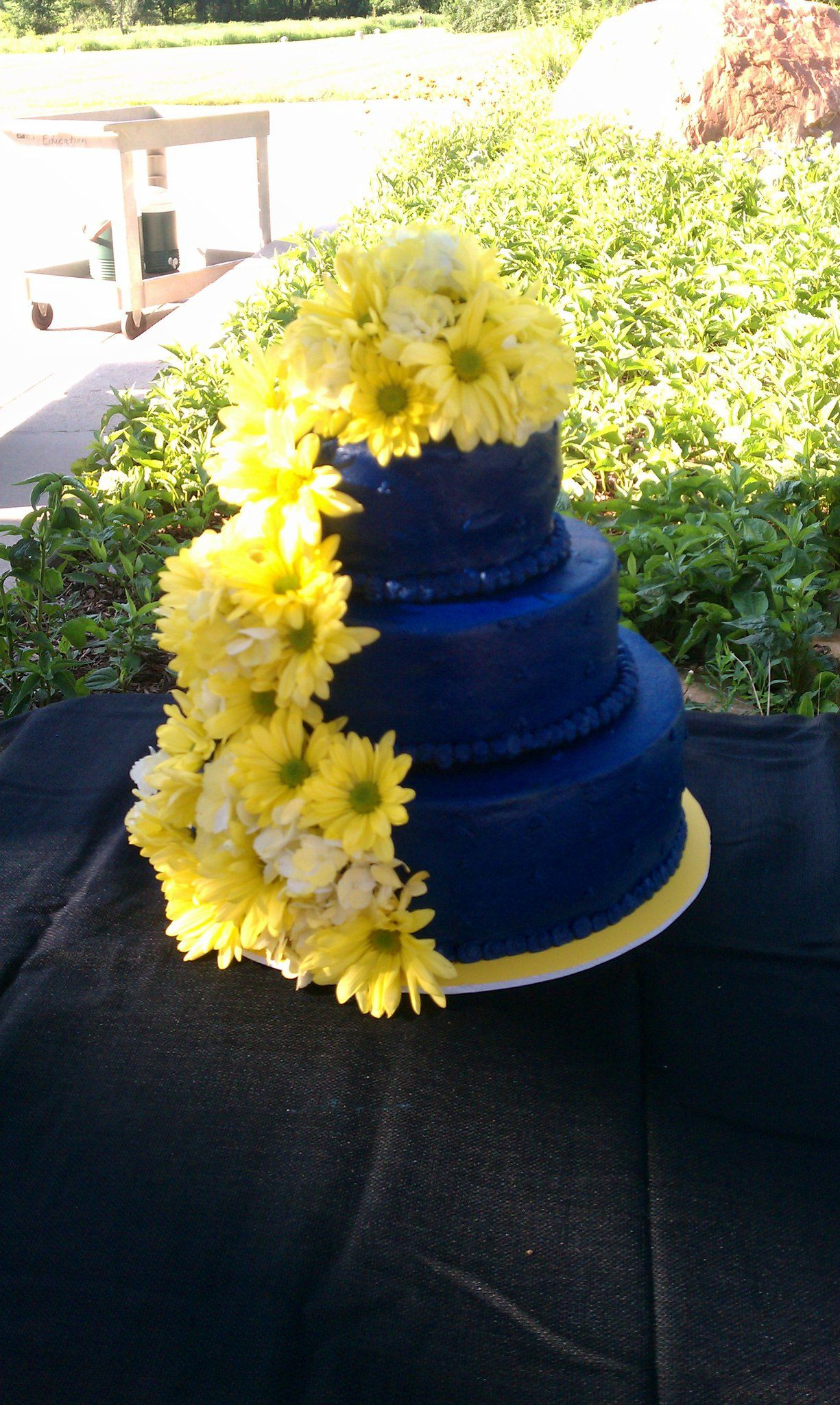wedding cakes navy blue and yellow blue wedding cake with fresh yellow flowers cakes i ve 25069