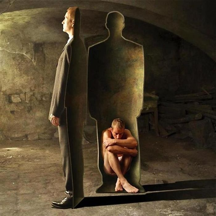 "In interiorul oricariu om se afla un ""miez"" zgribulit, vulnerabil si nud"