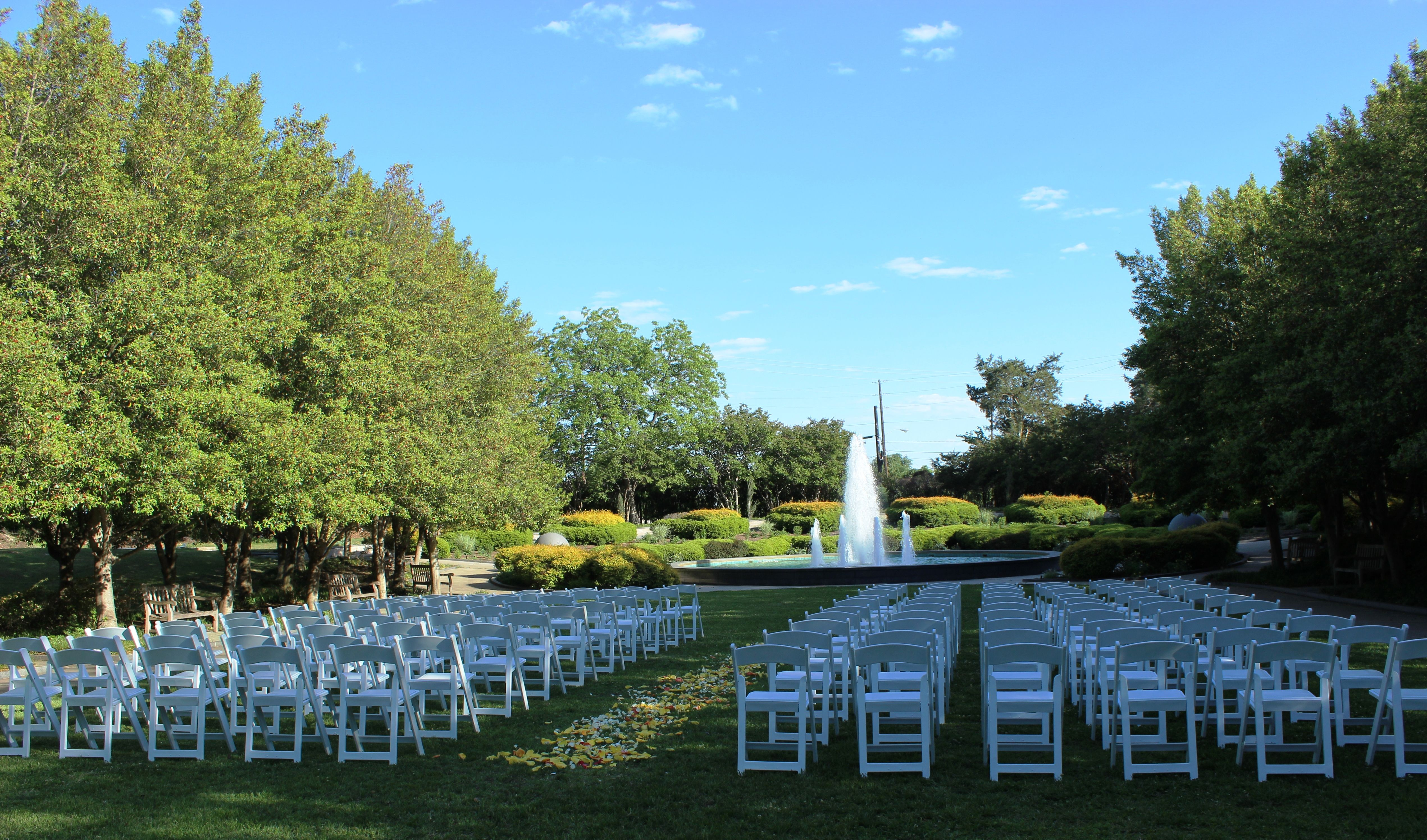 Ceremony Site Grand Alee Du Meadow At Texas Discovery Gardens In Historic Fair Park