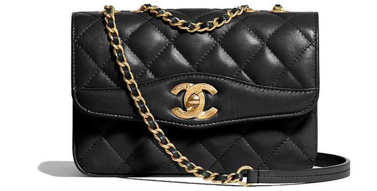 6280dc205ddc Our favorite Chanel Coco Vintage Bag from the Cruise 2018 Collection