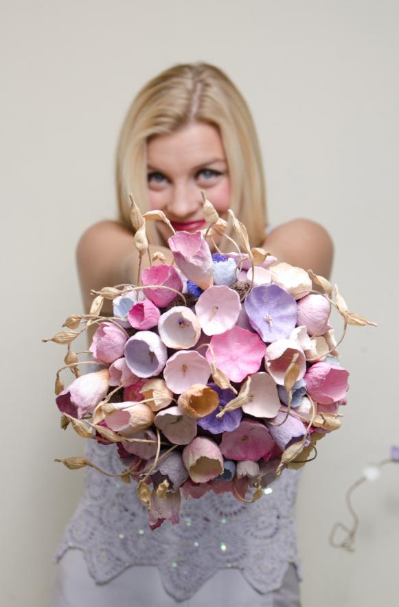 Le Sartine: Eco Friendly Wedding, Matrimonio green , bouquet eco by Eco Wedding Design.  Fiori di carta Roma Lazio Italy