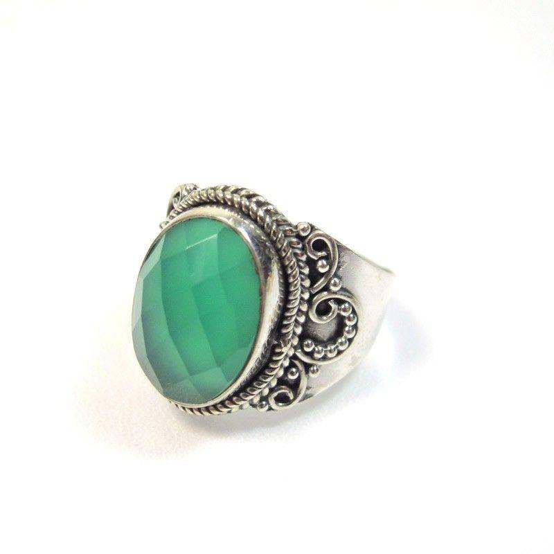 Bague en argent pierre verte