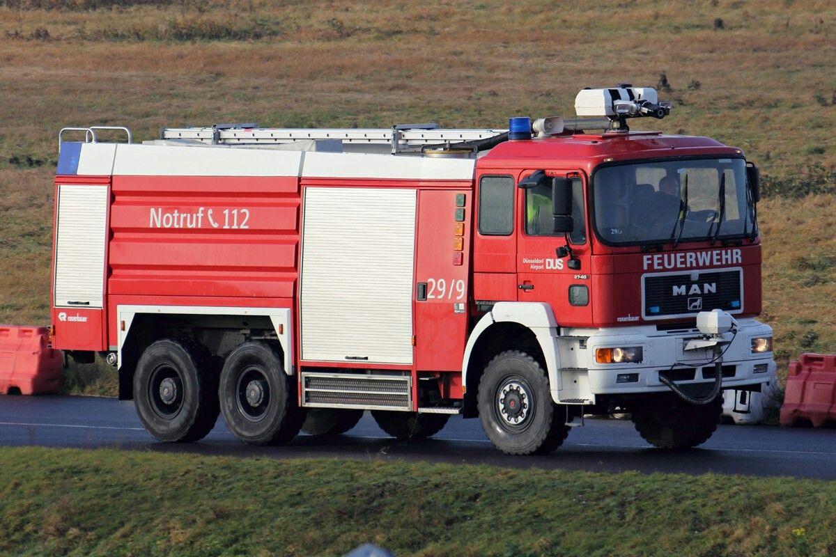 Fahrzeug 29/9 der Flughafenfeuerwehr Düsseldorf 26.12.2014