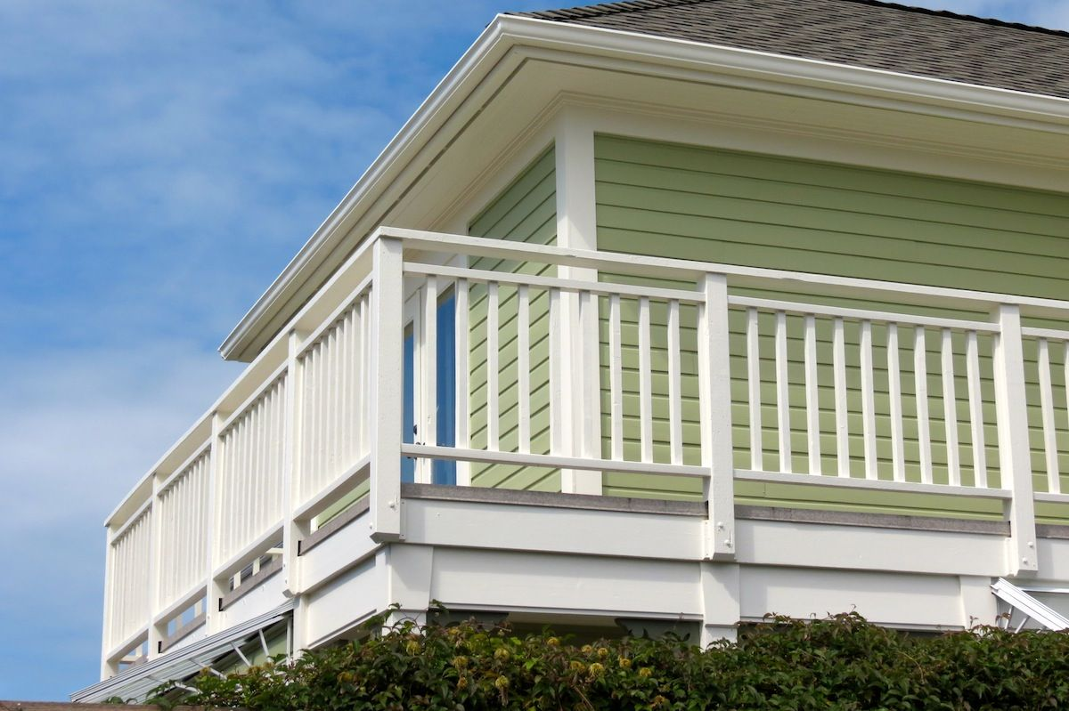 Benjamin Moore Georgian Green gallery | outdoor house colors, green house color, country