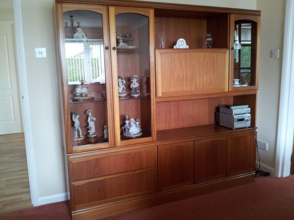 McIntosh Teak Display Living Room Cabinet In Excellent Condition