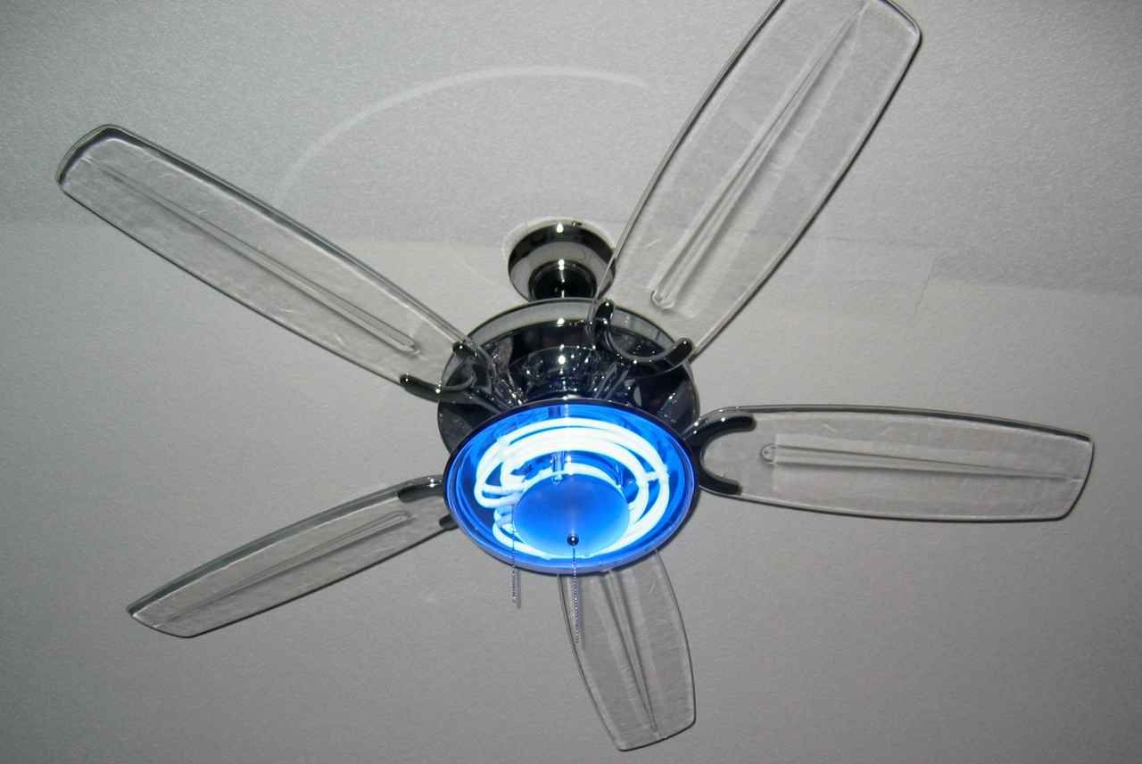 Harbor Breeze Ceiling Fan With Clear Blades This Is The That Came Our House In 4th Br