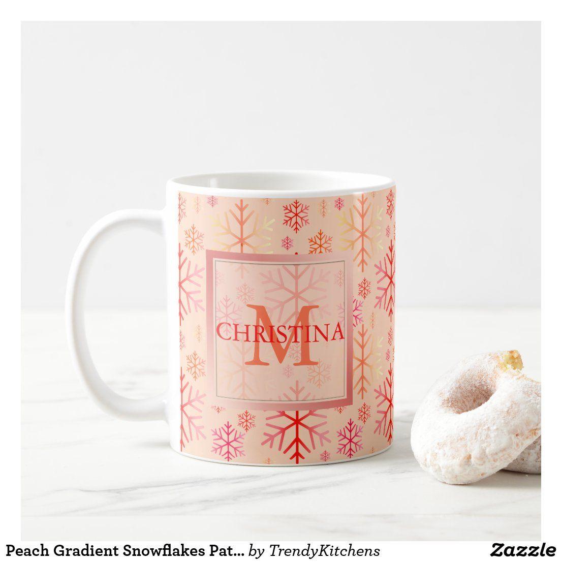 Peach Gradient Snowflakes Pattern Holiday Monogram Kaffeetasse