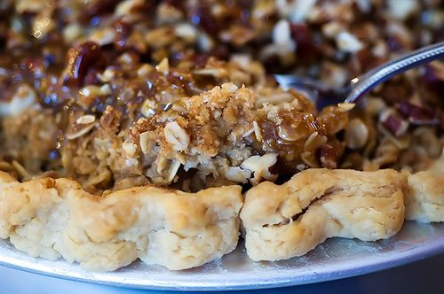 Caramel Apple Pie #pioneerwomanpecanpie Apple Pie that sounds way too delicious. by Ree Drummond / The Pioneer Woman, via Flickr #pioneerwomanpecanpie