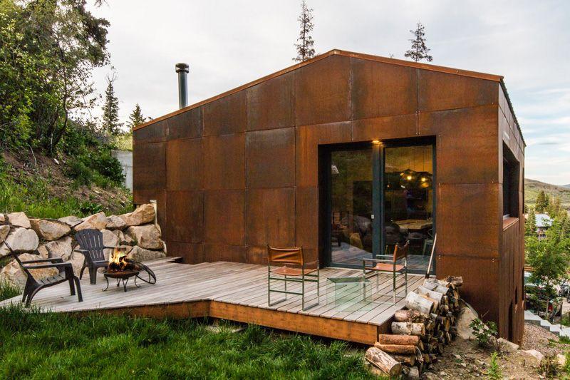 Rustic Weathered Steel Exterior Of The Summit Haus In Utah Weathering Steel Solar House Steel Architecture