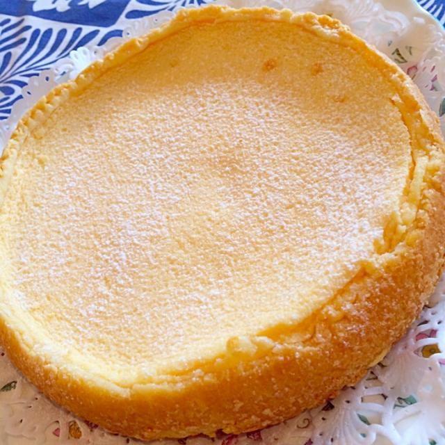 チーズケーキよりさっぱりしていて、凄い美味しい! めちゃくちゃ好みの味! もっといただきたかったな(笑) - 34件のもぐもぐ - ヨーグルトケーキ by ともこ